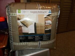 Mainstays  Bed in a Bag Coordinated Bedding QUEEN SIZE