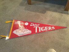 1960s Detroit Tigers Stadium felt Pennant Tiger Hitting Ball nice Original