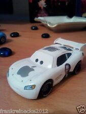 Disney Pixar Cars No 95 Apple jobs Maikun 1862 AZ Maßstab 1:55 Metall