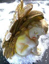 Engel sitzend 14,5 cm schlafend goldfarbene Flügel  Polyresin Figur Engelsfigur