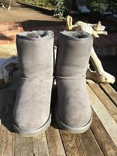 $140 UGG Australia Classic Short Gray Suede Winter Boots Big Kids Size 4