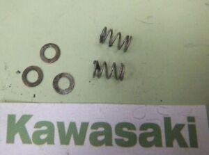 Kawasaki GT550 Gt 550 Carburateur Papillon Soupape Ressort TK Carburant 1985 -