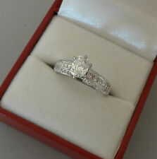 LOVELY 14K WHITE GOLD .84 TCW OVAL DIAMOND SOLITAIRE ENGAGEMENT RING - 3.6 GRAMS