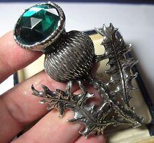 Nouveau par Miracle Grand étain SCOTTISH THISTLE Faux Emerald Highlander Kilt Pin