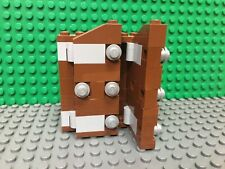 LEGO Vintage Hogwarts Castle 4842 Brown / Silver Closet, Wordrobe, Dresser Part