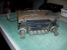 VINTAGE DELCO SONOMATIC CAR RADIO MODEL 7293604 PUSHBUTTON  serial 04916-46