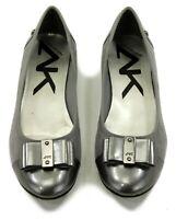 AK Anne Klein Sport Akaricia Womens Pewter Bow Ballet Flats Snakeskin Size 10M