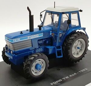 UH 1/32 Scale Model Tractor UH4027 - Ford TW 4x4