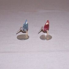 LOT OF 2 MINIATURE COLORED WINGED HUMMINGBIRD GLASS SCULPTURE ON A MIRROR