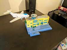 Thomas & Friends - Sodor Airport with motorized airplane!