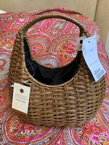 BNWT WICKER STRAW BASKET BAG - Handmade From Philippines - Messenger And Handbag