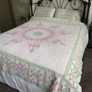 VTG Patchwork quilt handmade Large Star Design floral fabrics 82x78