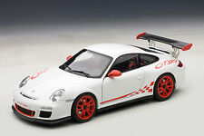 1/18 AUTOart PORSCHE 911 (997) GT3 RS 3.8 (WHITE/RED STRIPES) 2010