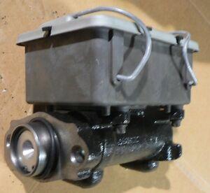 HMMWV Brake Master Cylinder AM General 12342898 Bendix 2239103