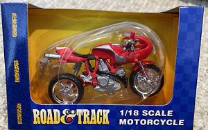 Road and Track Maisto 1:18 Scale Ducati Red Motorcycle NIB