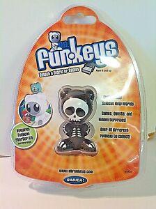 2007 Mattel Radica UB Funkeys Bones Funkey NOS Explore Customize Game World Pack