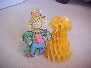 1979 STAND UP SCARECROW WITH HONEYCOMB PAPER HAYSTACK-BEISTLE CO.