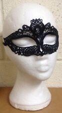 Masques et loups noirs pour déguisements et costumes