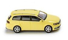 WIKING 008902 - H0 1:87 VW Passat B7 VARIANTE GIALLO - NUOVO in scatola