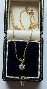 A Pretty Vintage Solitaire Diamond Pendant & Chain in 9ct White & Yellow Gold