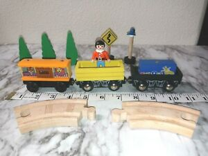 Authentic Thomas the Train & Toys R Us Wooden Magnetic Zoo Car Train Track Trees