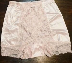 New Rhonda Shear Embroidered Lace Lite Control Shaping Boyshort Pink Small