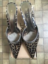 Ladies shoes size 6.5 - Brand New.