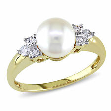 Amour 14k Gold Cultured Akoya 7-7.5 mm Pearl and 1/5 Ct TDW Diamond Ring