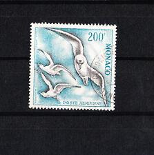 MONACO timbre  poste aérienne  200f  oiseaux de mer dent 13  num: 67  oblitéré