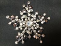 "VINTAGE Beautiful Clear Rhinestone Silver Tone Snowflake Brooch Pin 2"" Wide"