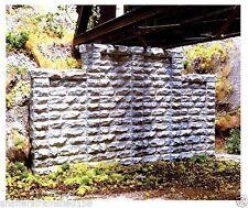 Chooch (HO-Scale) #8400 Stone Stepped Wall Abutment - NIB