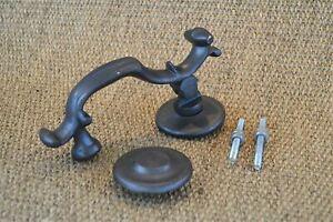 A classic Regency solid cast iron door knocker doorknocker ES1