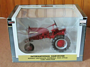 SPECCAST INTERNATIONAL HARVESTER 450 STYLE FARMALL CUB TRACTOR  1/16  NEW