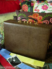 d6f7ea0a825 Ultra RARE Vintage GUCCI Large Leather Jewelry Case Travel Box Decor GG as  found