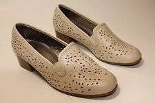 Pavers womens cream mid heel shoes excellent condition uk 4 eu 37