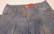 Apple Bottom Women's Denim Jean Buckle Capri Pants Size 7/8 - PreOwned