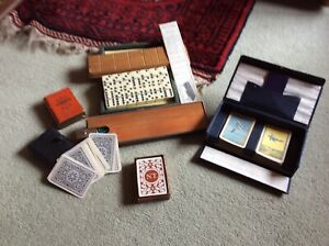 JOB LOT OF VINTAGE TRADITIONAL GAMES PLAYING CARDS DOMINOES CRIBBAGE MIXED LOT