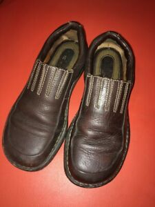 BORN HANDCRAFTED WOMEN CLOGS SIZE 8.5 M/W EU 40 M SOLID Brown LEATHER