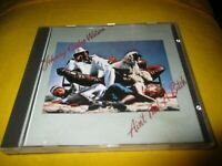 "CD ""JOHNNY GUITAR WATSON : AIN'T THAT A BITCH"""