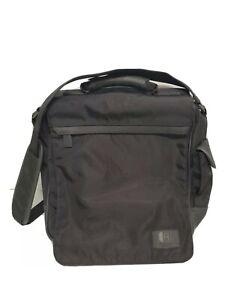 Kenneth Cole Reaction Vertical Tablet Messenger Bag Black