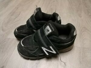 Boys New Balance Black Shoes Size 9.5