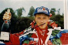 handsigniertes Großfoto signiert von Mika Häkkinen im Format 18x27