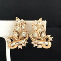 Vintage Trifari Earrings Gold Tone Clear Crystals Clip On Estate Jewelry 2B