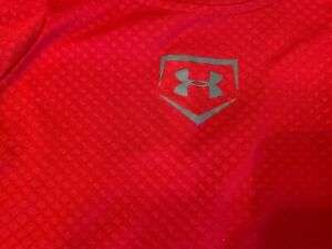 Boys Under Armour Heat Gear Fitted red short sleeve shirt size M