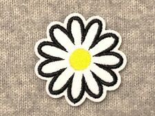 1 Daisy Embroidery Iron On Patch White Flower Marguerite Blossom Bud Petal Plant
