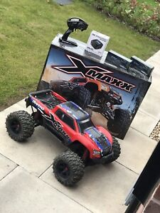 traxxas X-maxx 8s Monster Truck Bundle RTR