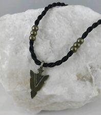 Colgante Punta  Flecha, símbolo Indio amuleto talismán protector color bronce c