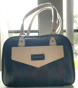 Mary Kay Hand Bag with removable shower bag