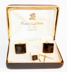 VINTAGE 1950's HAND CARVED ONYX INTAGLIO PC. CUFFLINK SET BY SWANK, MACY'S