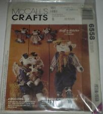 """McCALL CRAFTS  6558 """"A MOO-VING TALE"""" """"MR & MRS COW WITH BABY 7 GARLAND"""" PATTERN"""